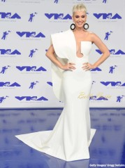 BN-Style-Spotlight-Katy-Perry-Outfits-as-Host-for-MTV-VMAs-4-1